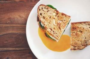 Recette de sandwich grillé avec de la sardine et du camembert